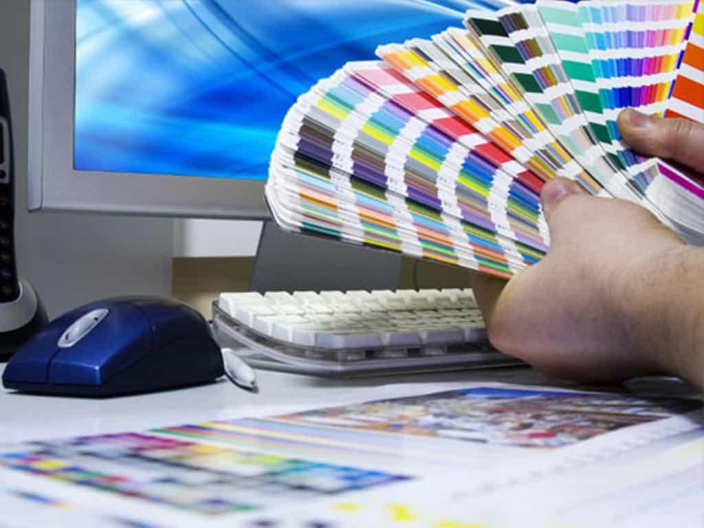 Дизайнер в типографии